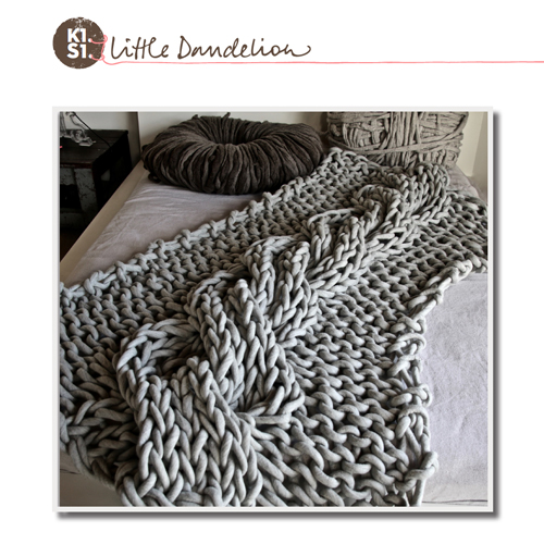 LittleDandelion-K1S1_Pattern_Extreme_Mono_Cable_Throw.jpg