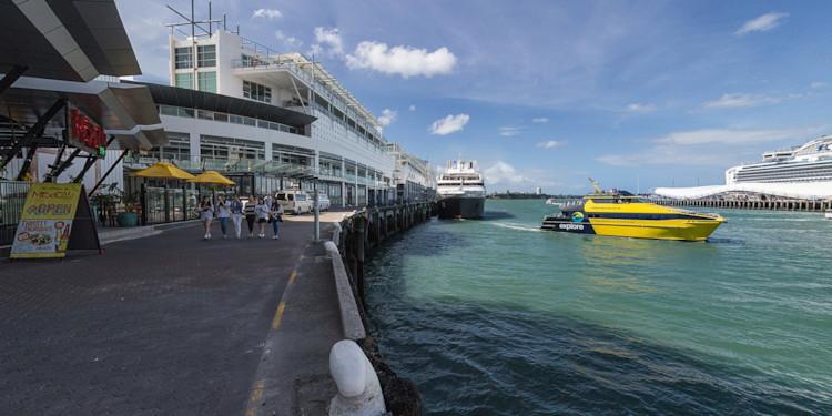 Auckland Docks prior to departure