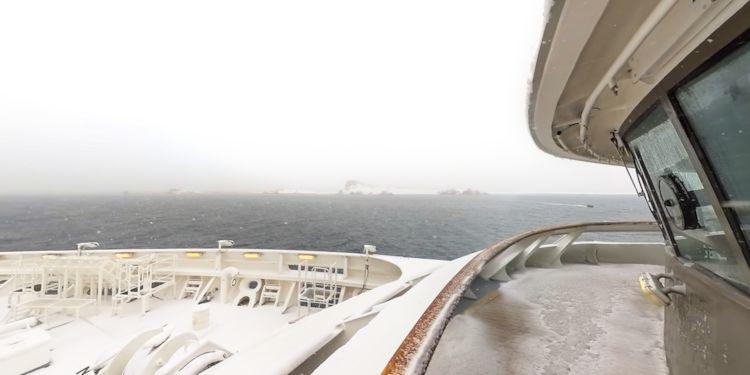 Snowy approach to Half Moon Island
