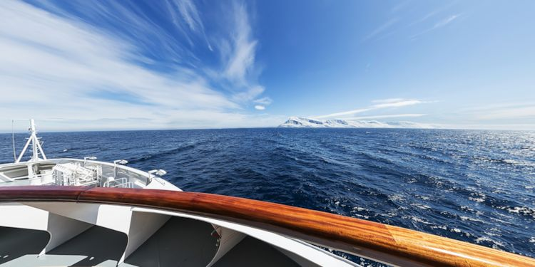 Sailing past Clarence Island