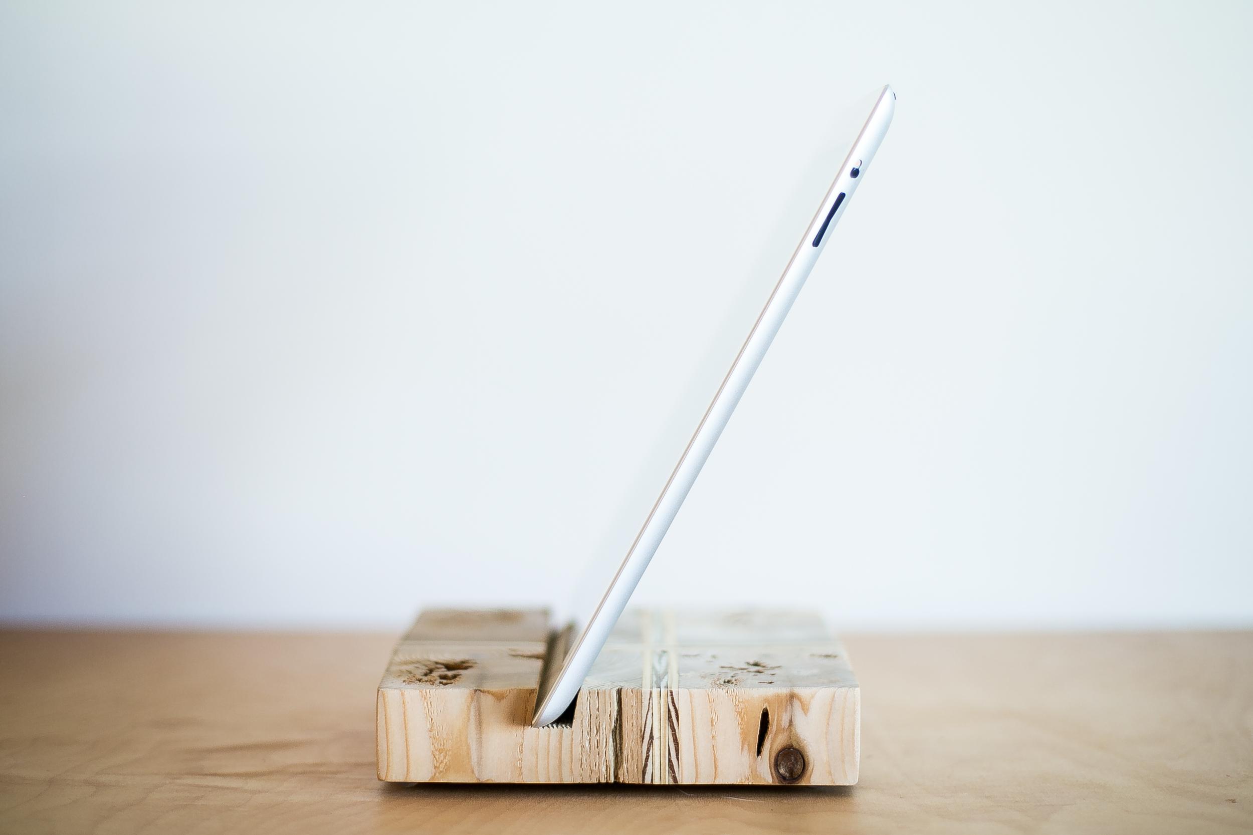 iPad Stand | 008