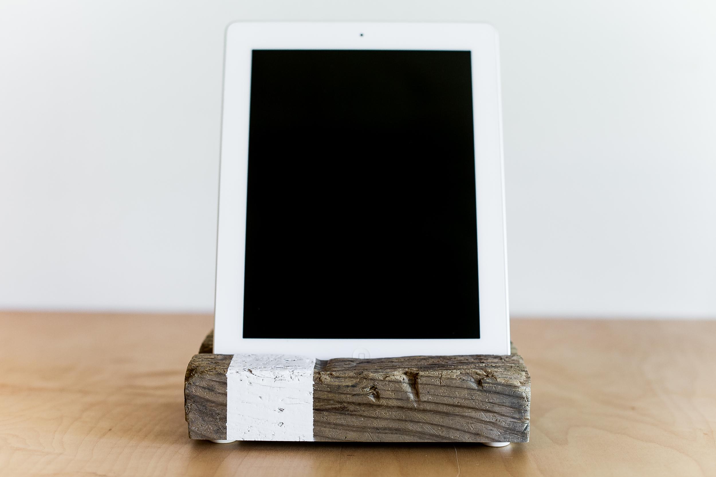 iPad Stand | 013