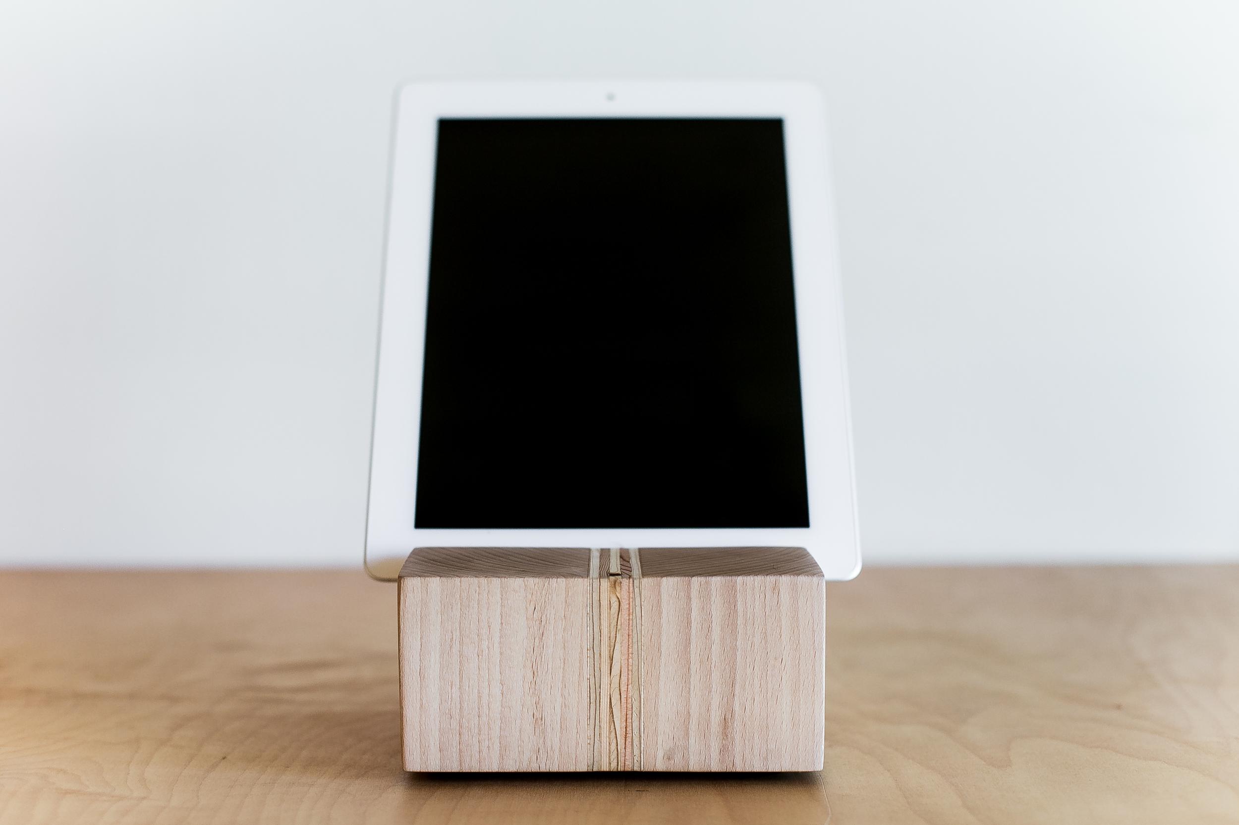 iPad Stand | 014
