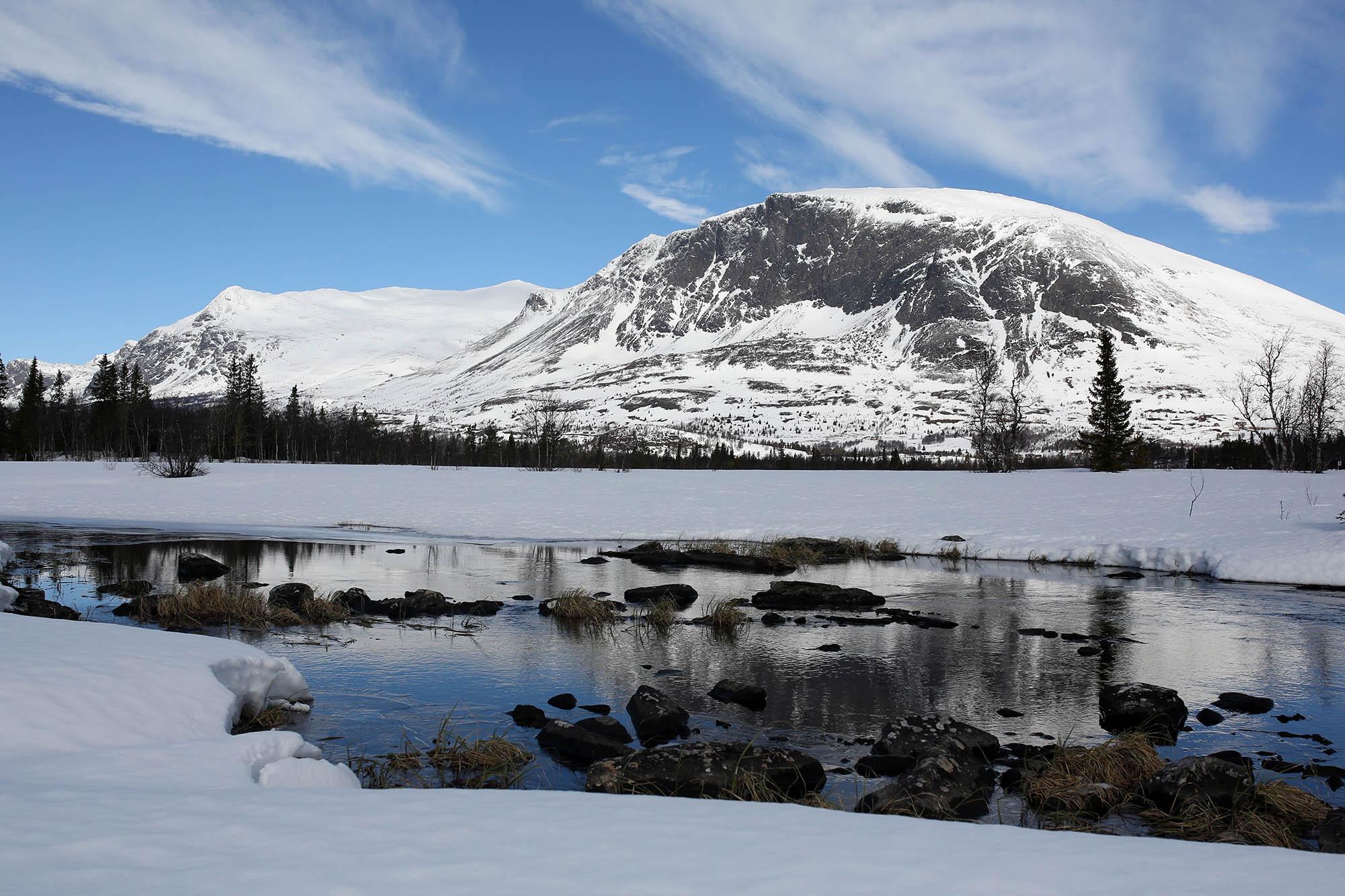 snowy & charming Lykkja