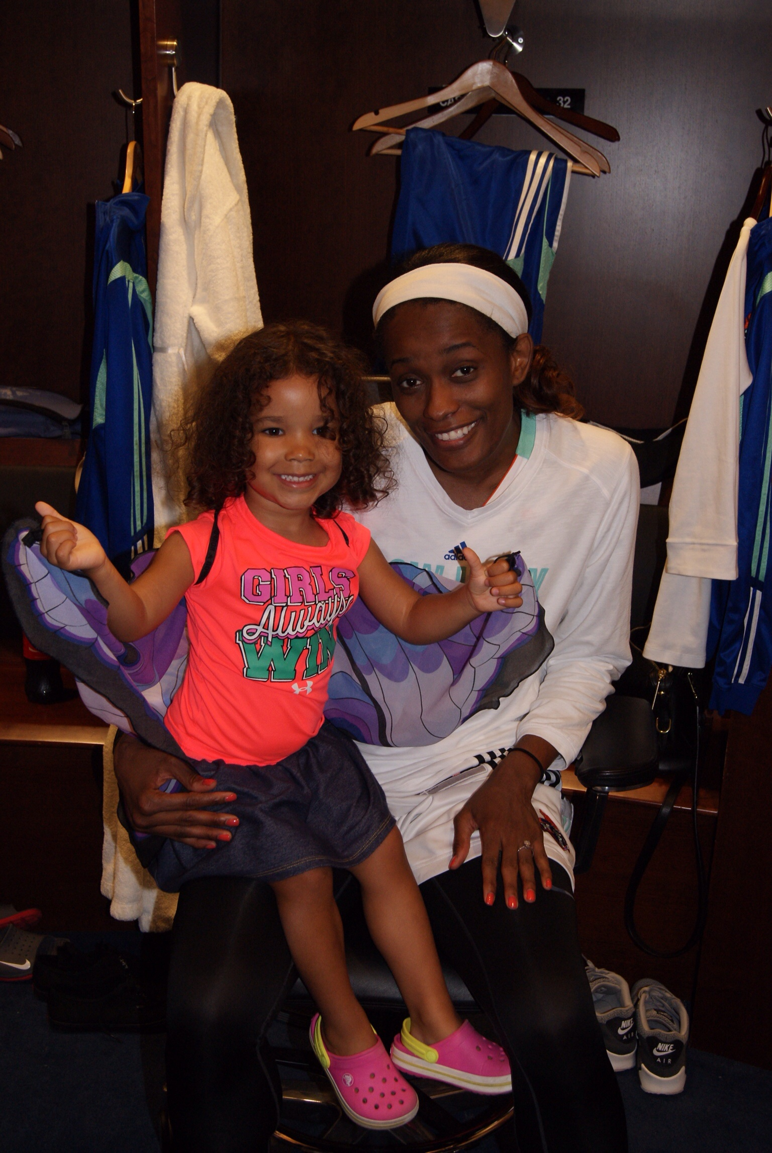 Camilla with Swin Cash. They hit it off. :)