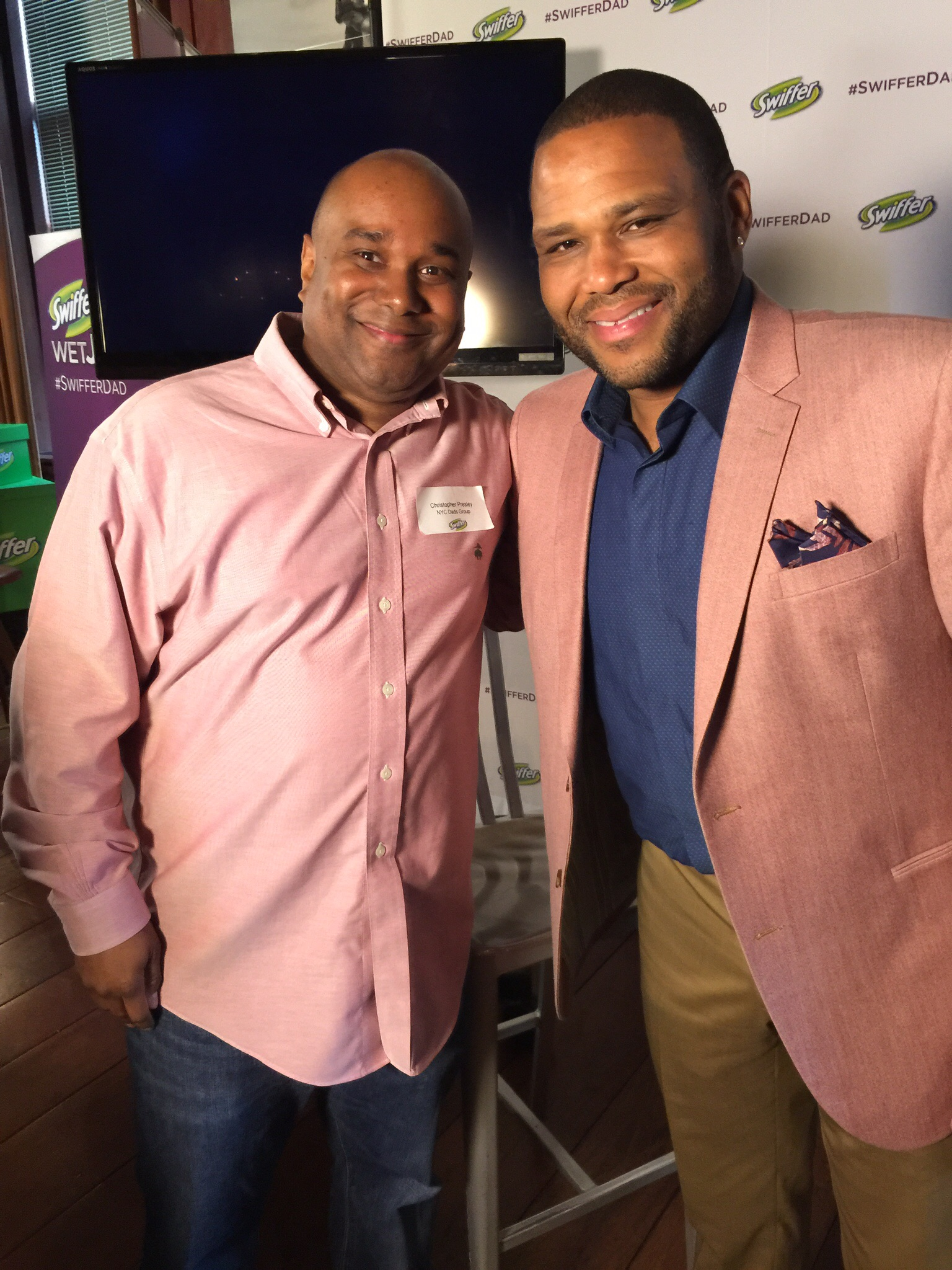 I met Anthony Anderson, who is the creative director of the #SwifferDad campaign at a Swiffer event.