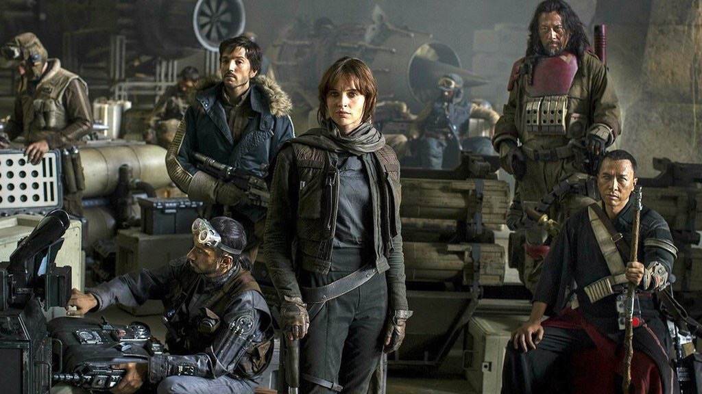 The first official pic from Rogue One. Felicity Jones stars!