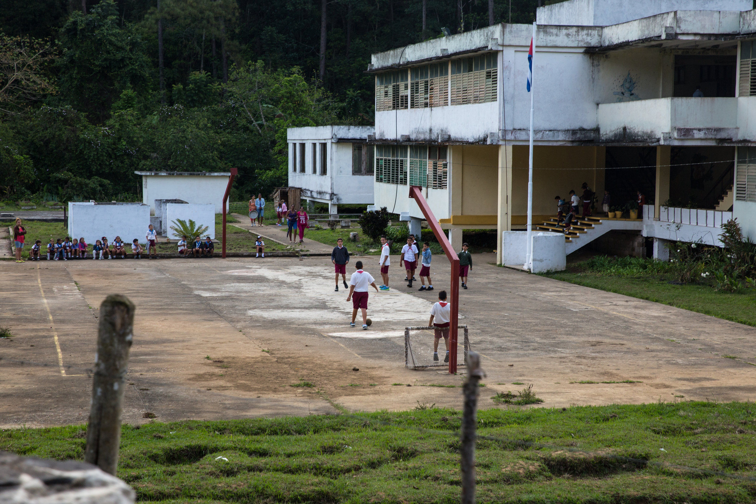 Kids play at school while we trek through the Escambray mountains.