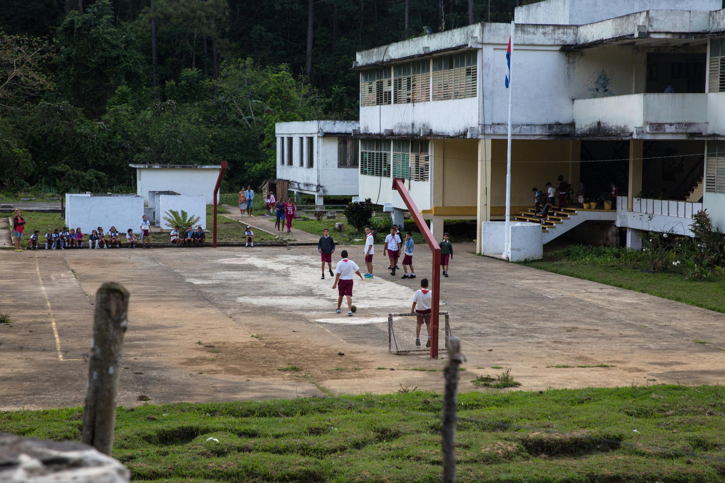 Kids play at school while we trek through the Escambray mountains.