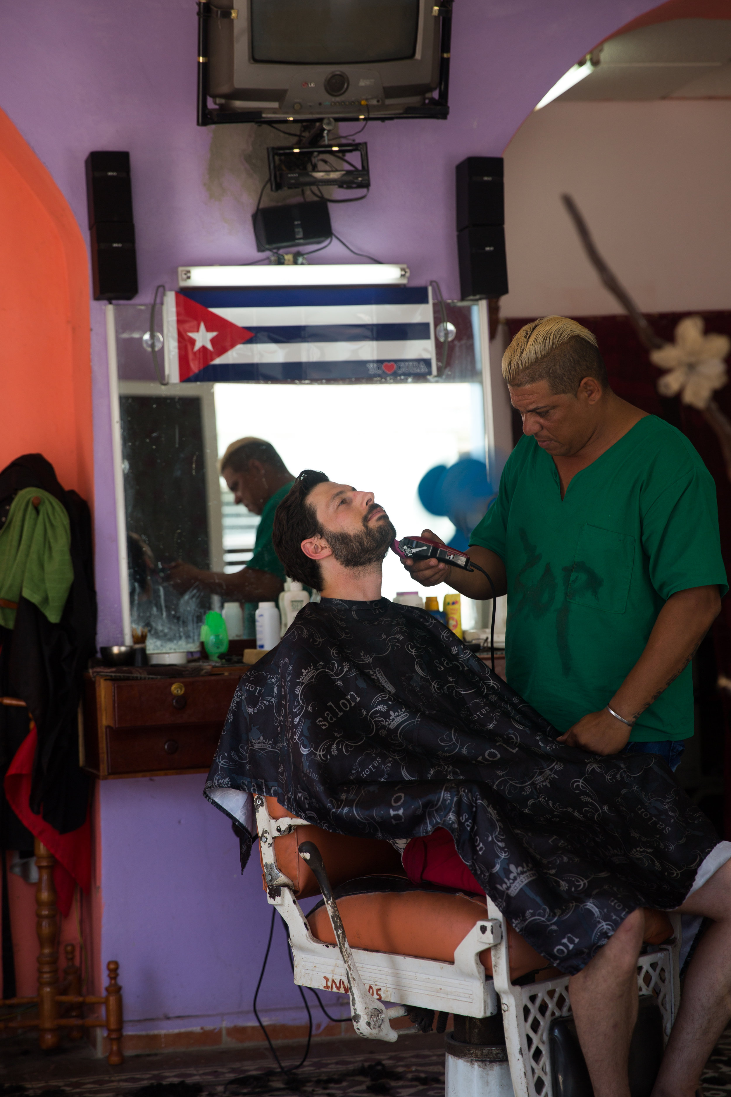 Most of the natives in Cuba rocked a greaser cut with shaved sides, but Dan stuck to his El Papa look.