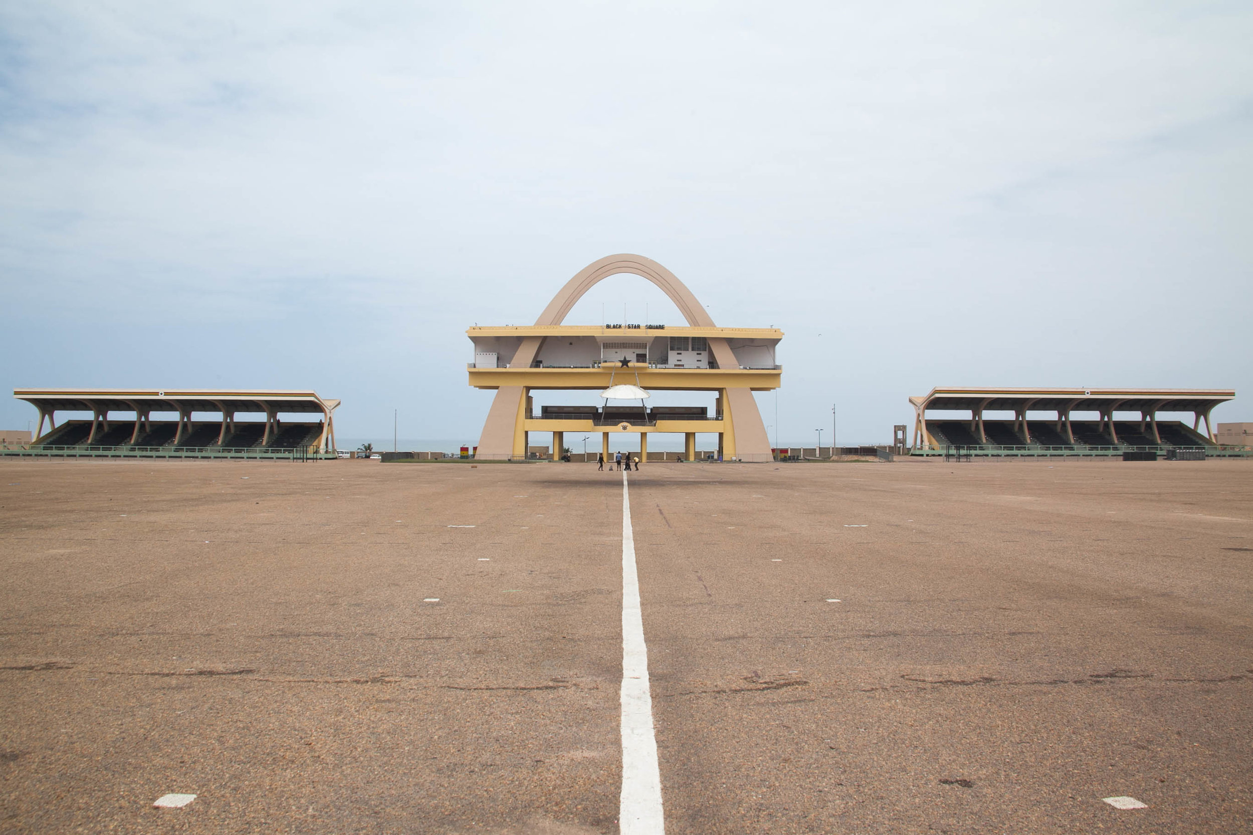 "The square was commissioned by  Kwame Nkrumah  to honor the visit of  Queen Elizabeth II . Construction ended in 1961 and it was named ""Black Star Square""."