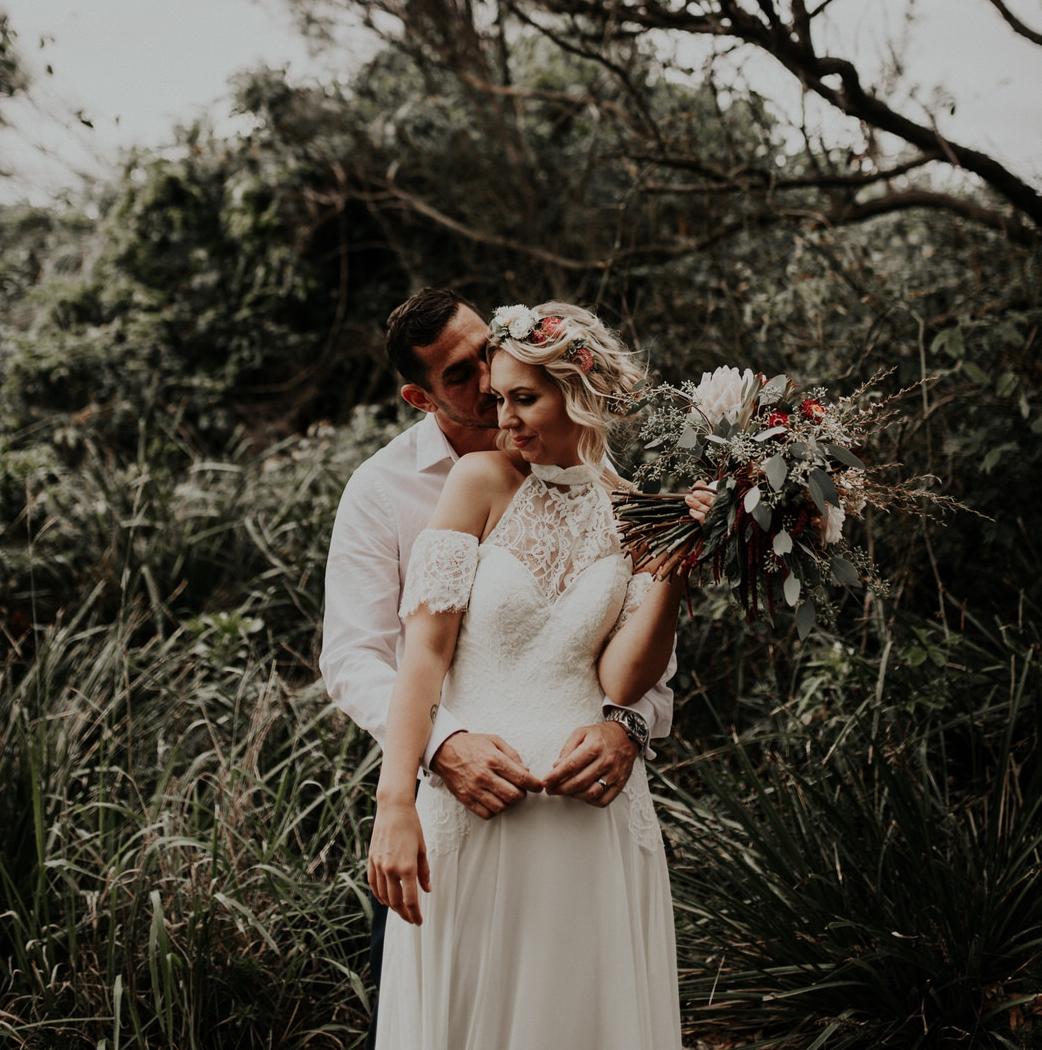 Rustic Backyard Wedding Photography | Photographer Couple Based in Newcastle NSW