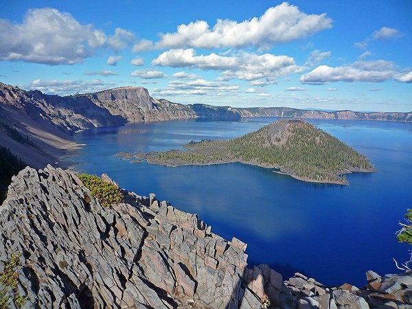 crater-lake-in-summer-4a-smaller_2.jpg