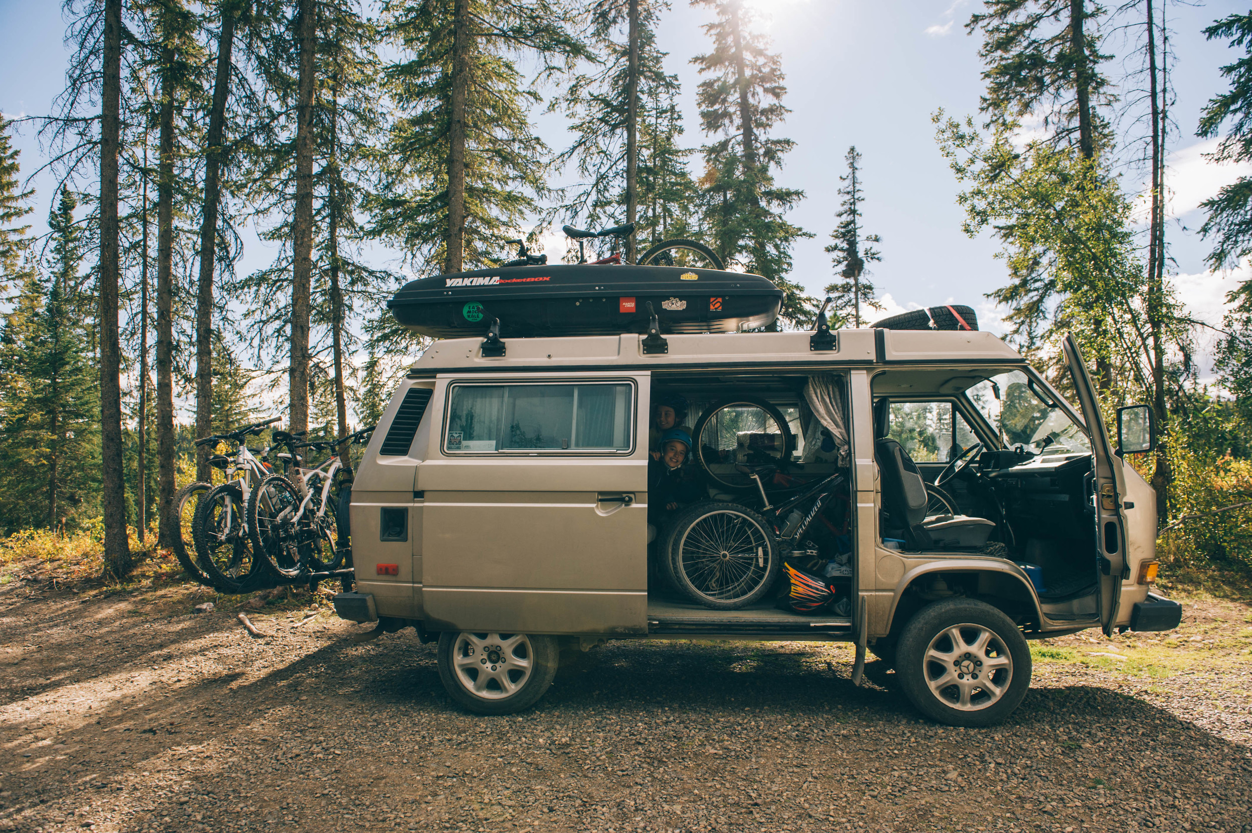How many bikes and persons can you fit in a Westy? For this ride, 8 bikes and 10 persons!