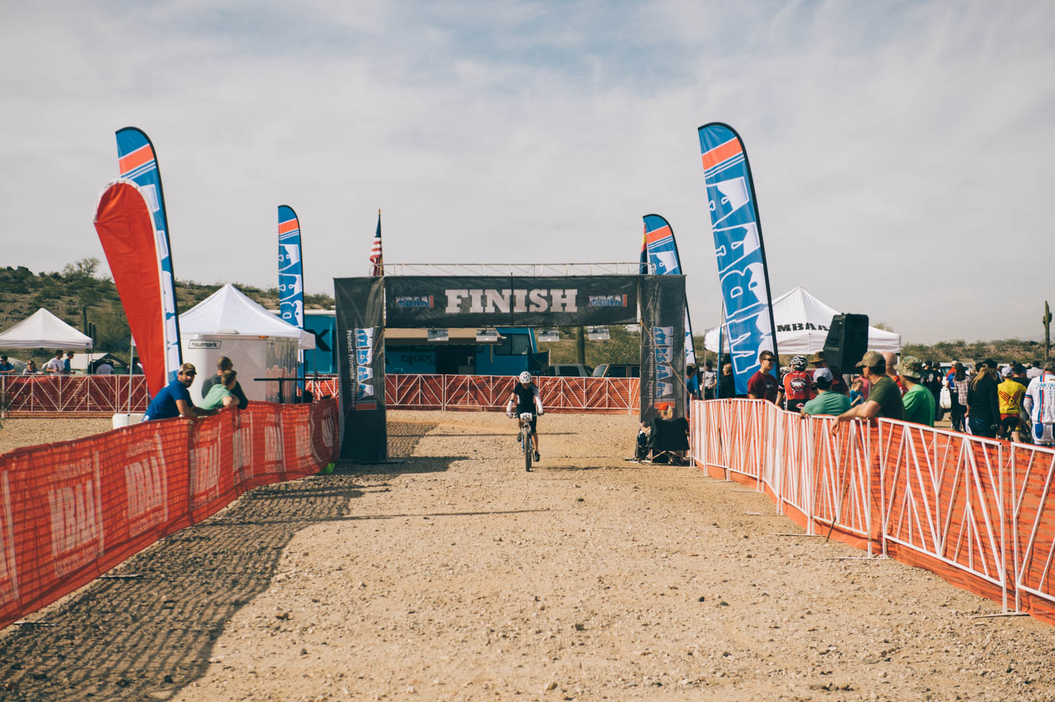 Diedra at the Finish! 8th position even if she lost 3 min putting her chain back on. You rock, girl!