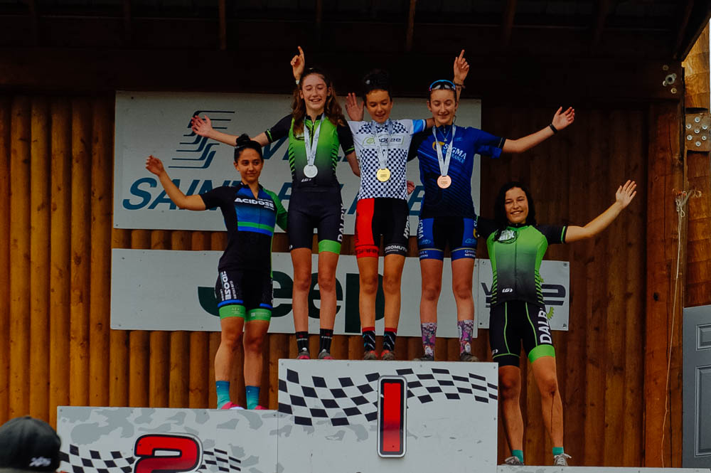 The only picture I have of the St-Félicien Québec Cup (taken by Mathilde) since I had to stay back to work. Mara got 5th place on the XCO and crashed hard on the XCT the next day, but still managed to finish. Aisha had a great race both days and Mathilde did the XCT on Sunday and had a good time too!