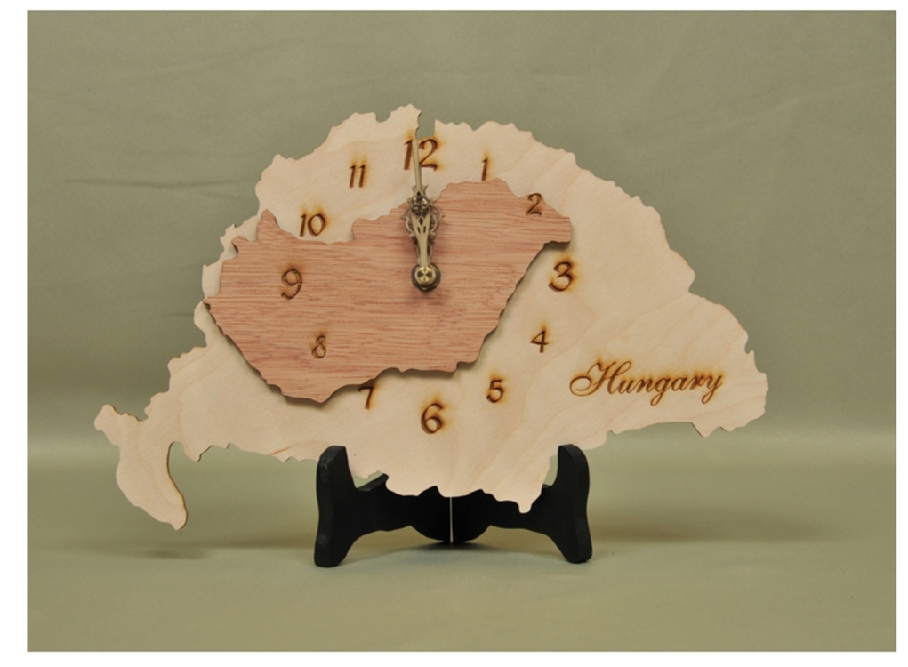 greater_hungary_wooden_clock_highres.jpg