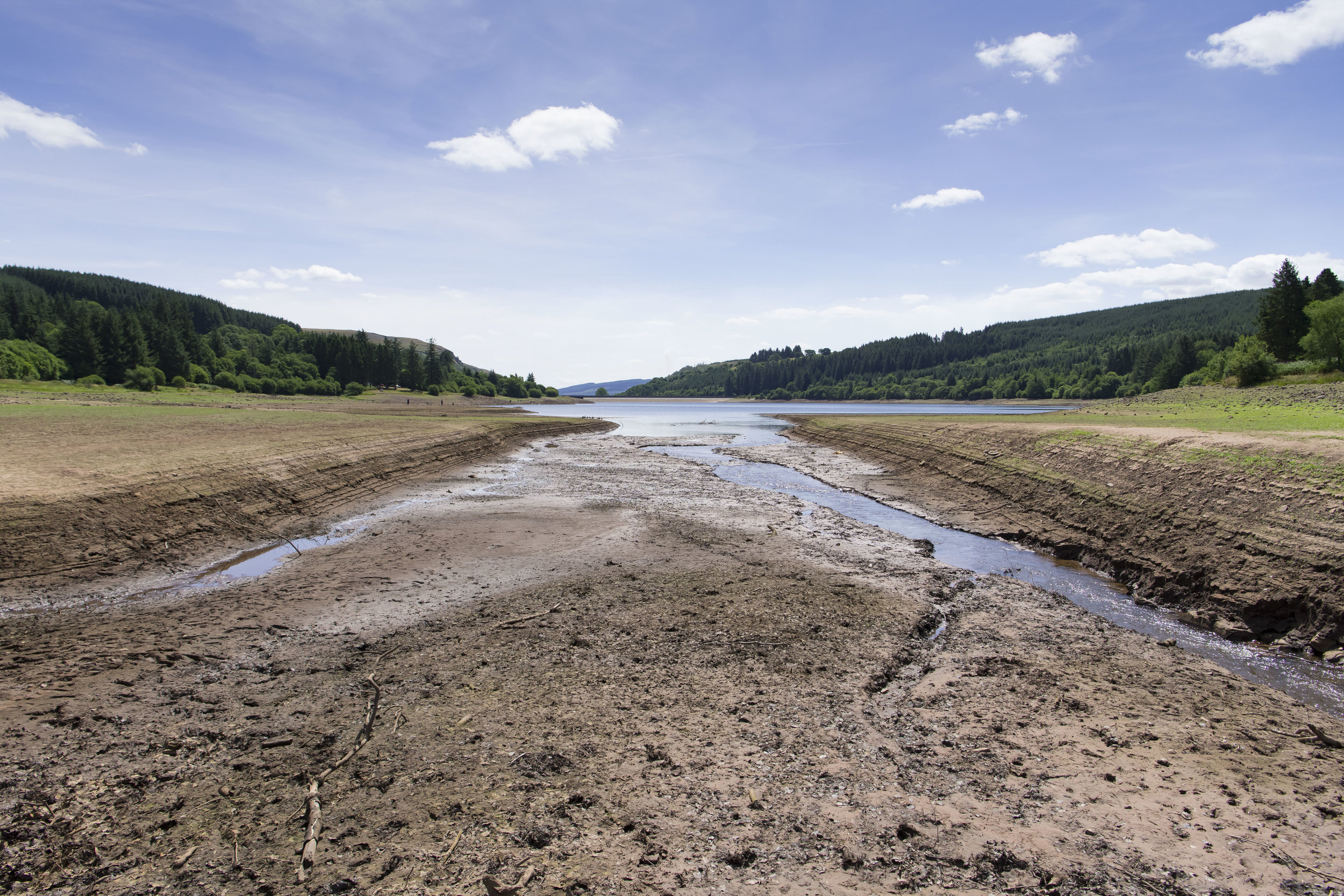 MERTHYR TYDFIL, WALES - JULY 25: A general view of the Llwyn-on Reservoir, owned by Welsh Water, in the Taf Fawr valley on July 25, 2018 in Merthyr Tydfil, Wales. The lack of rainfall over the last few weeks combined with record breaking temperatures is having a dramatic effect on water levels in reservoirs. (Photo by Matthew Horwood/Getty Images)