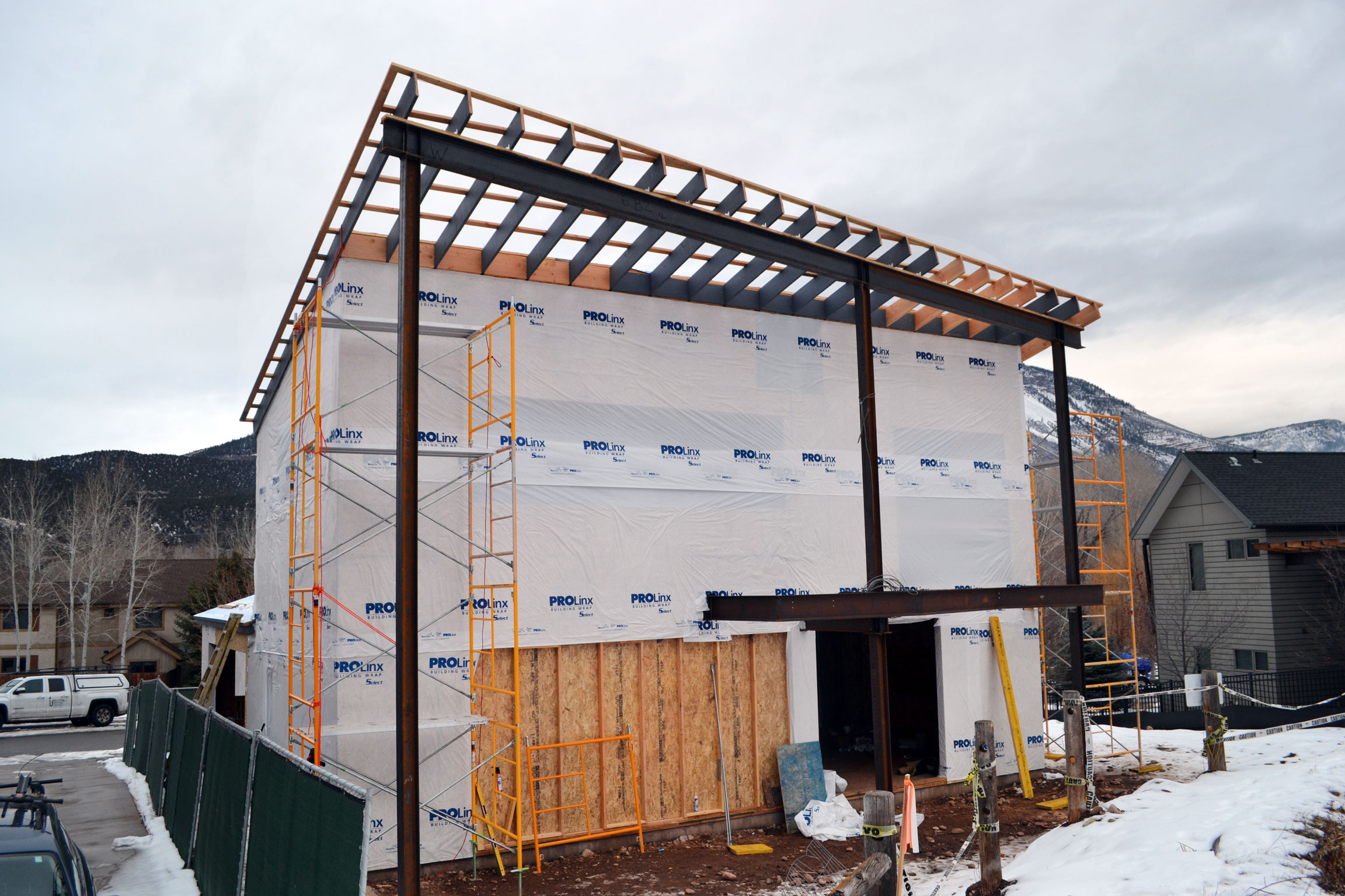 house-aspen-5-realities-of-construction-during-the-winter-basalt-residence-project
