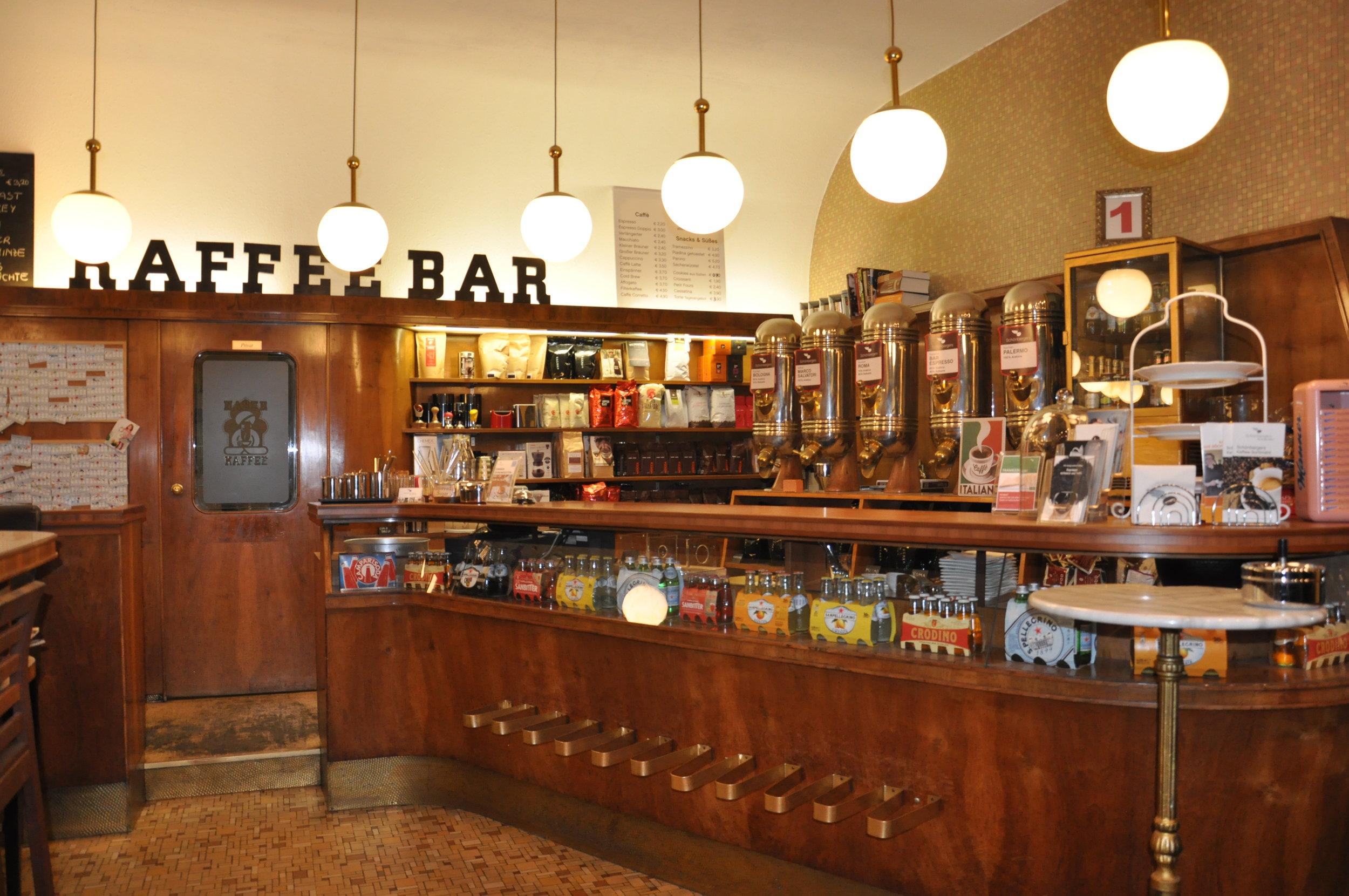 Bar im Schönbergers.JPG