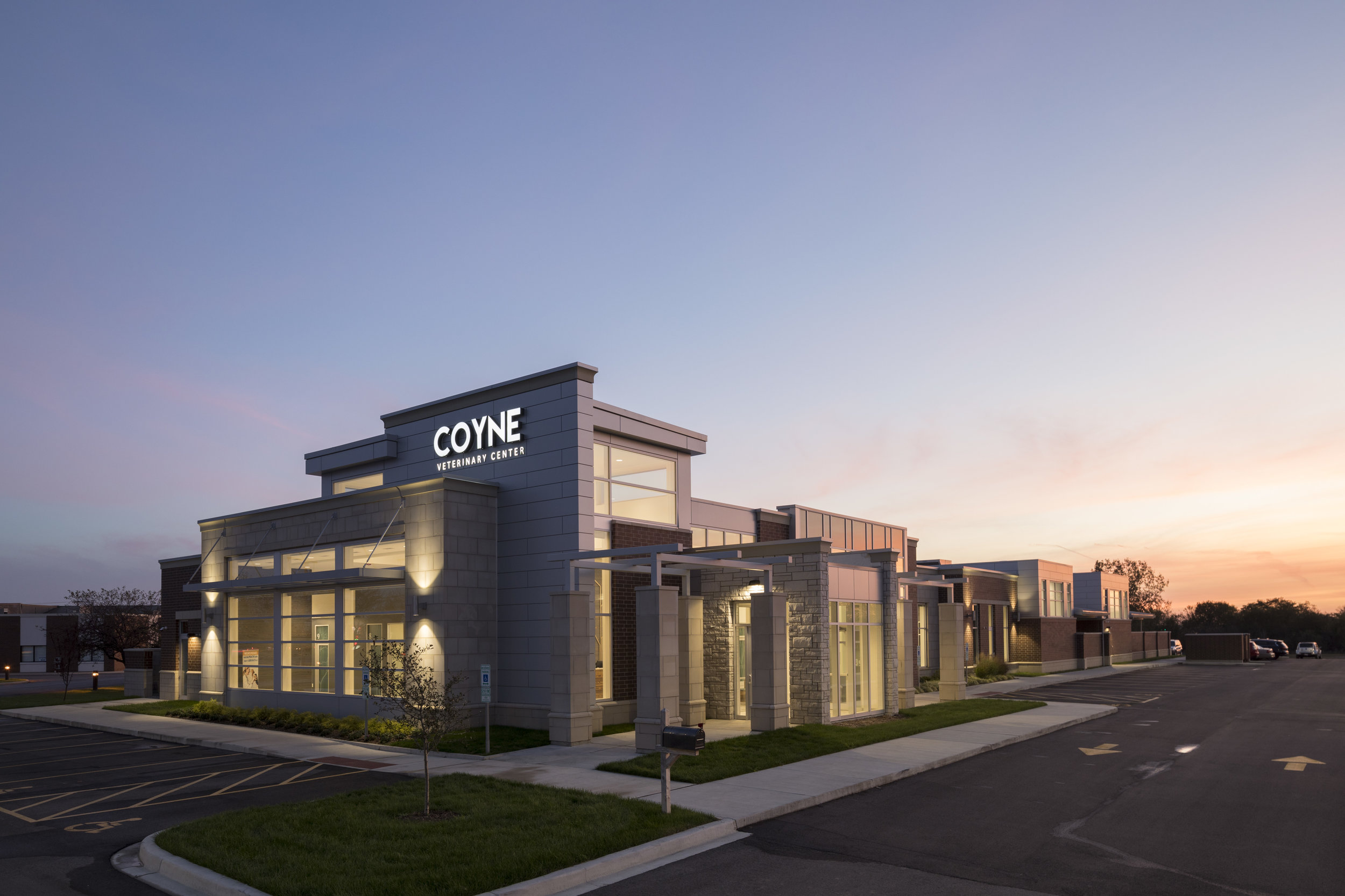 COYNE VETERINARY CLINIC    Crown Point, IN