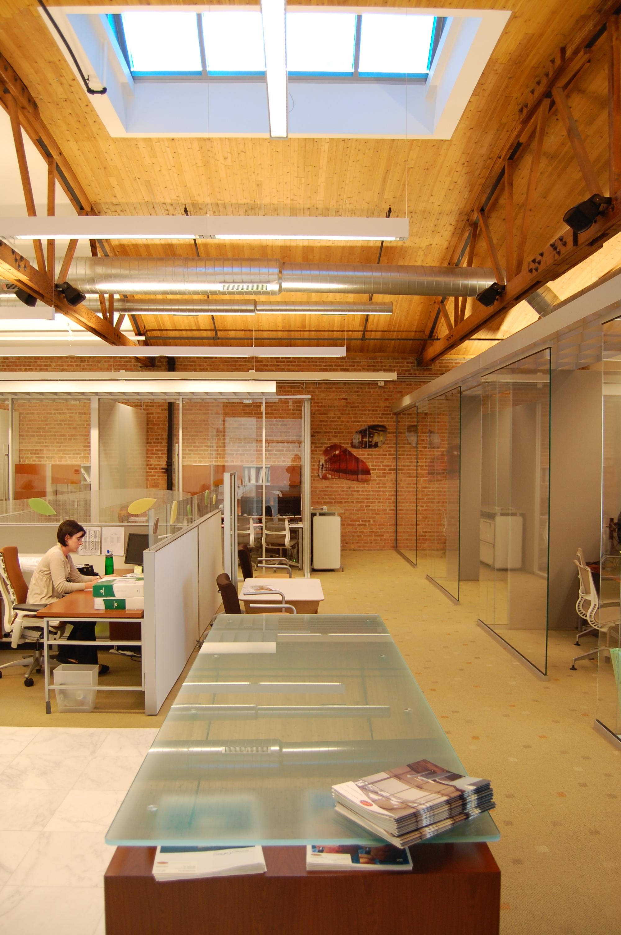 TRAINOR GLASS COMPANY RETAIL /CORPORATE OFFICE    Chicago, IL