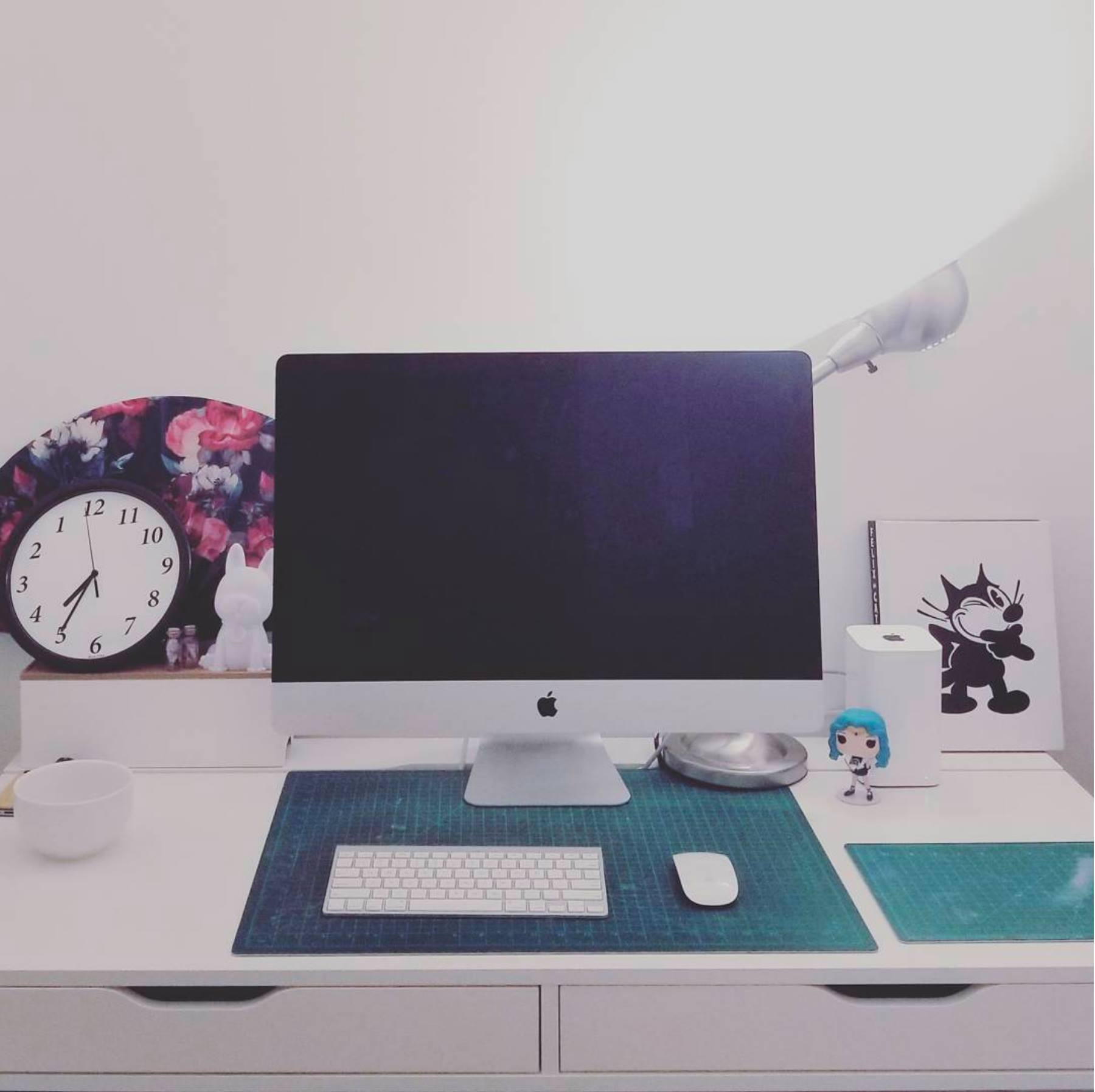 Desk of Awesomeness