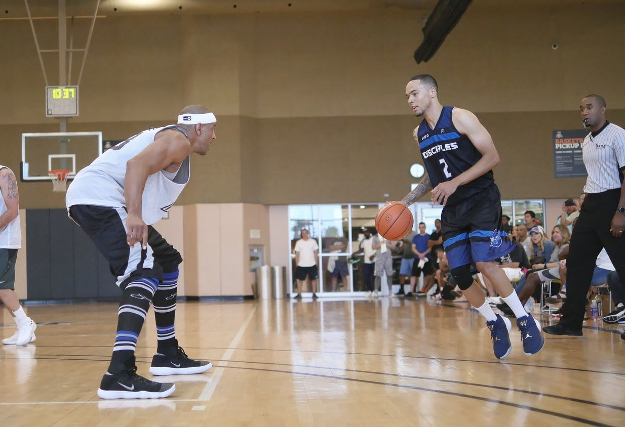 """Could Jerome """"JYD"""" Williams (left) and Crockrell lead a UH team past the aliens?"""