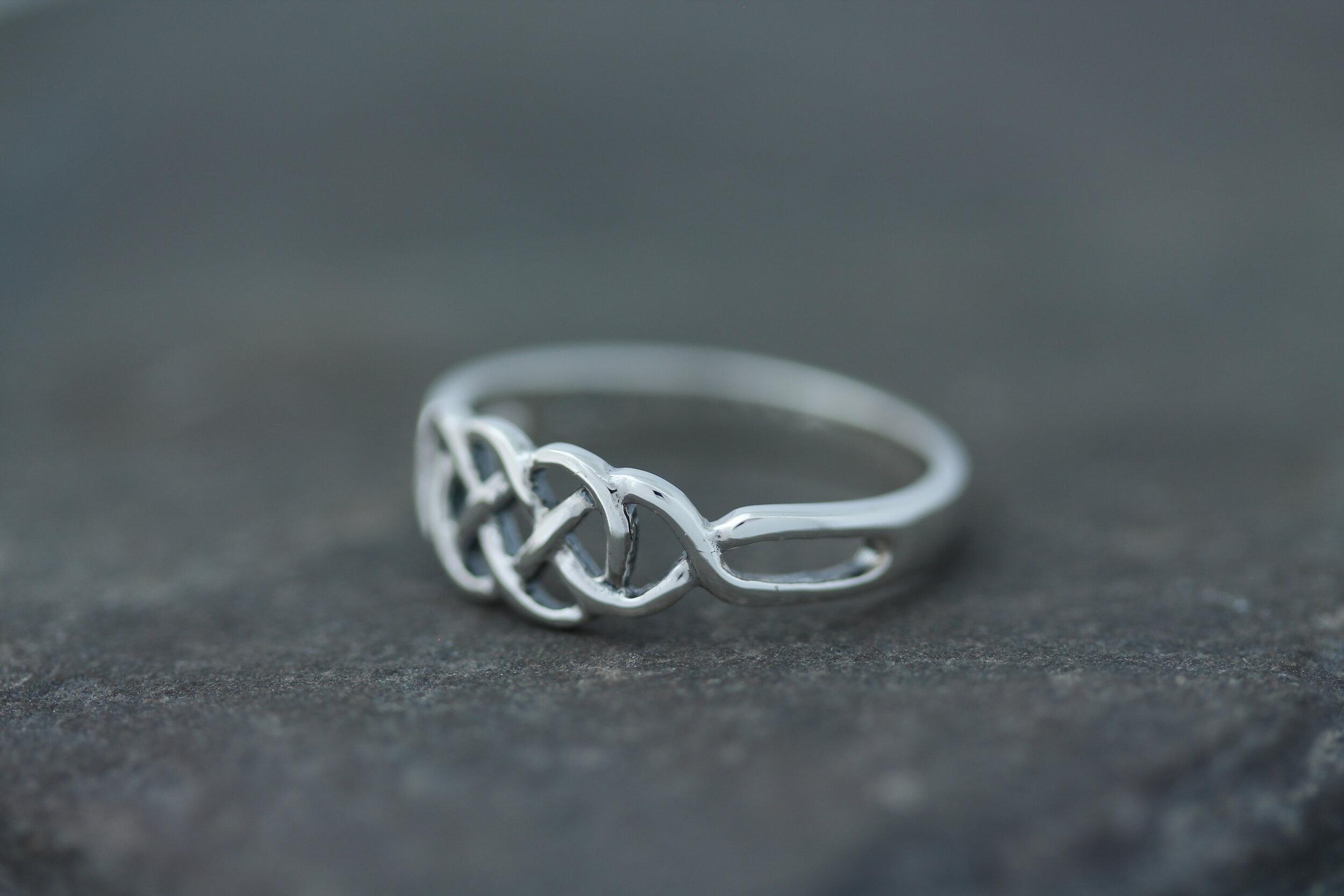 Celtic Knot Ring Figure 8 Infinity Knot Small Celtic Design Scotland