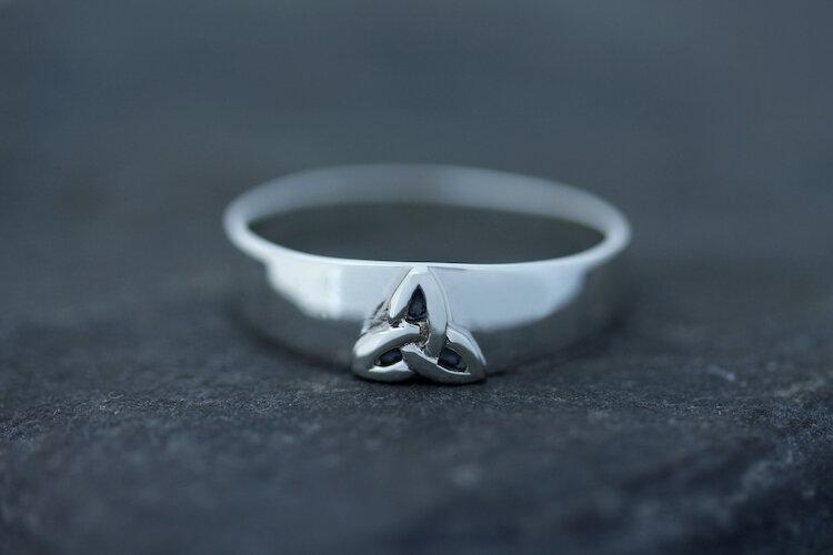 Celtic Design Scotland Scottish Jewellery Edinburgh hallmarked 925 Sterling Silver Baroque Connection Celtic Knot Ring