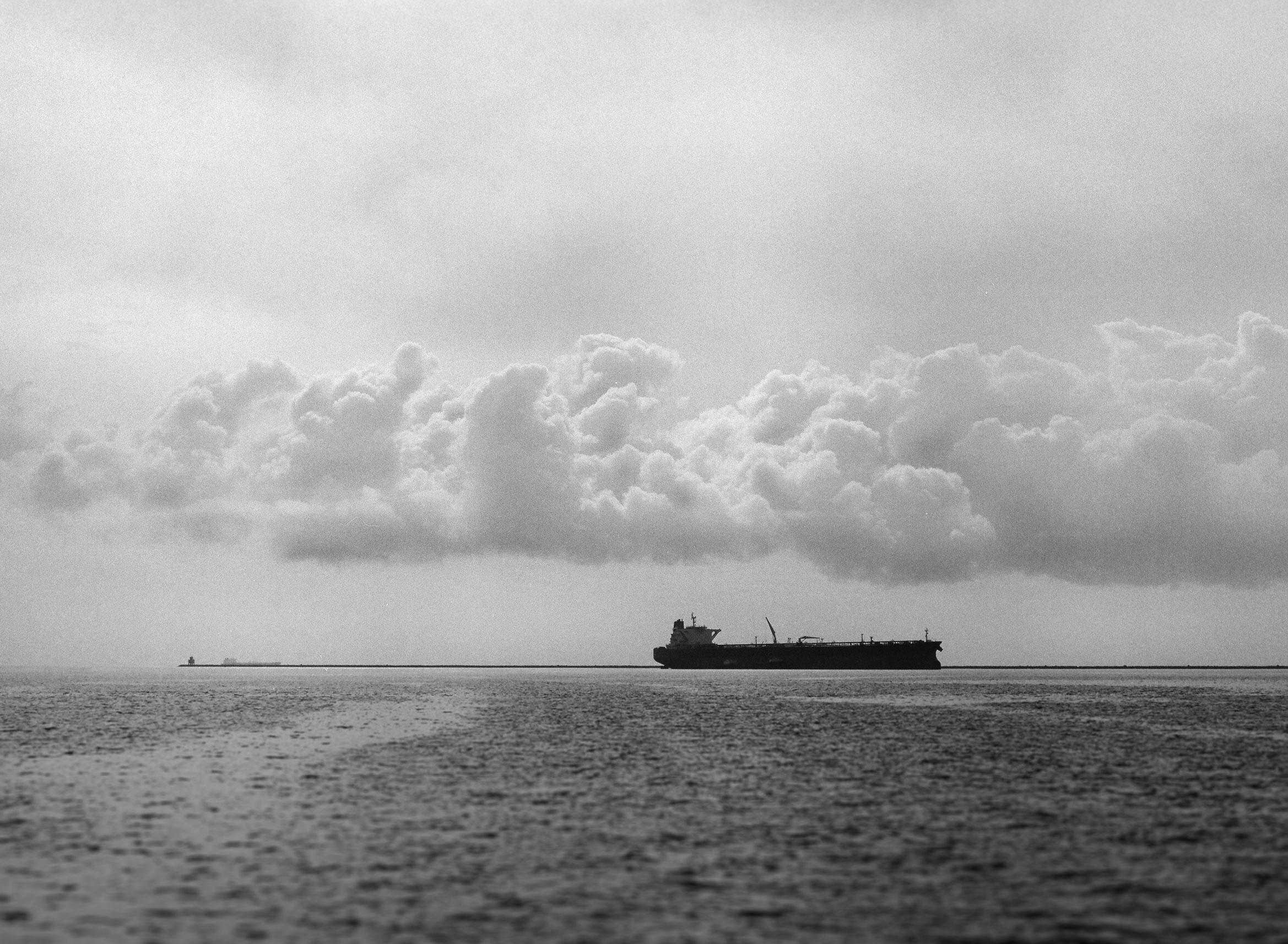 port-of-long-beach-bridge-black-and-white-film-photography-mamiya-02