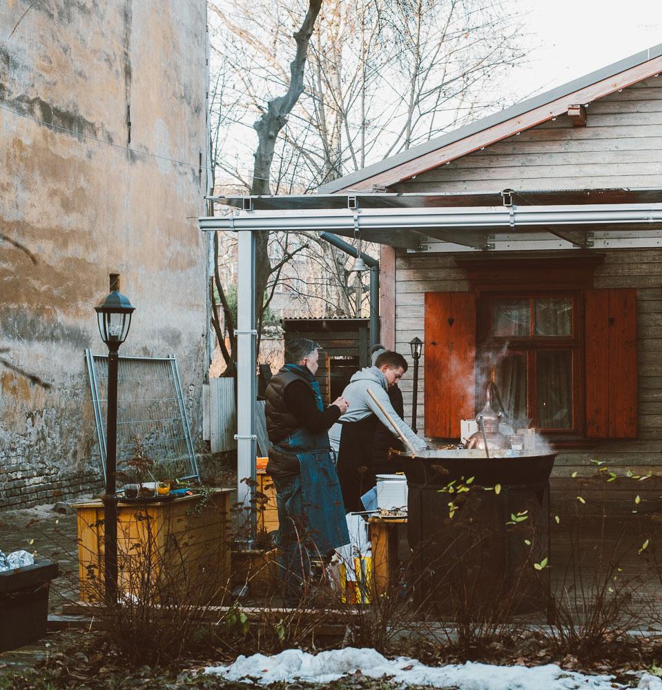 Kalnciema marknad - en guide till Rigas second hand och vegetariska restauranger