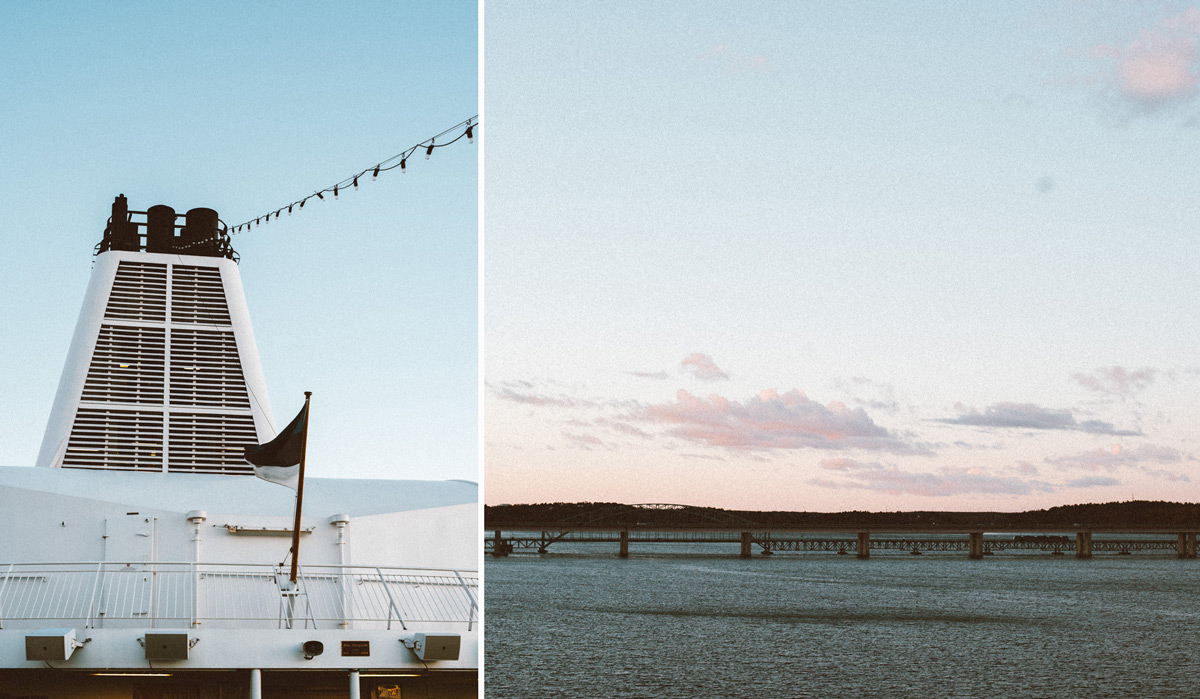 Uppe på däck M/S Victoria kryssning på väg till Tallinn med Tallink Silja med utsikt över Lidingöbron