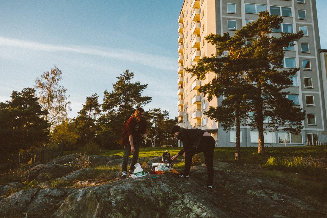 Grilla på klipporna på Lidingö
