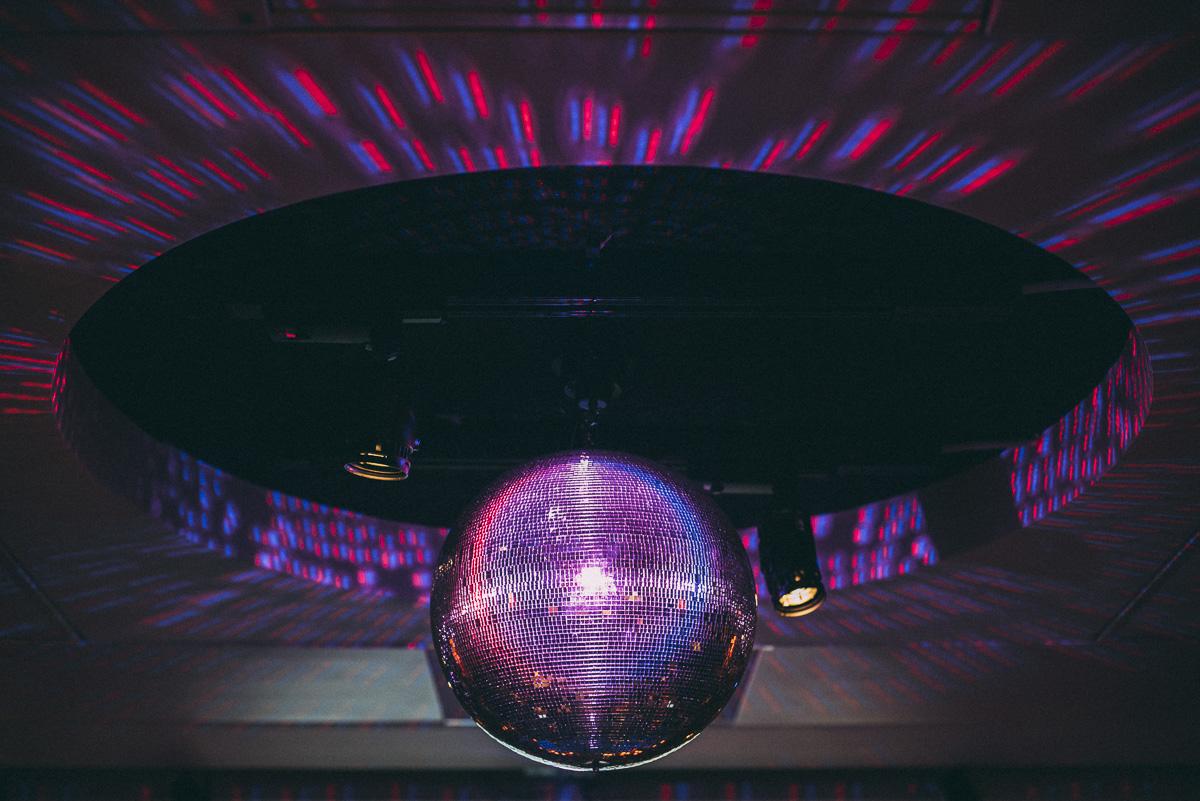 diskokula på bar Pop house Abba museum i Stockholm
