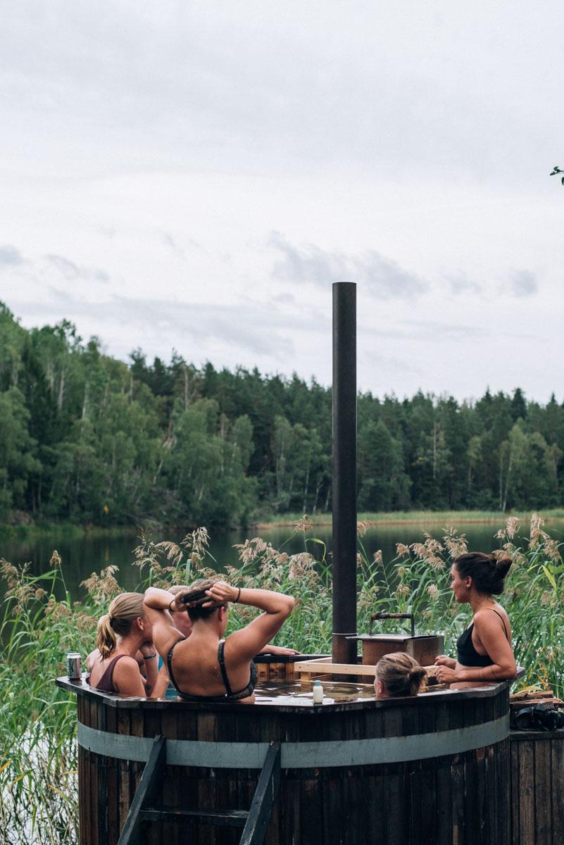 bada badtunna på ön lindö under summer workation med influencers of sweden