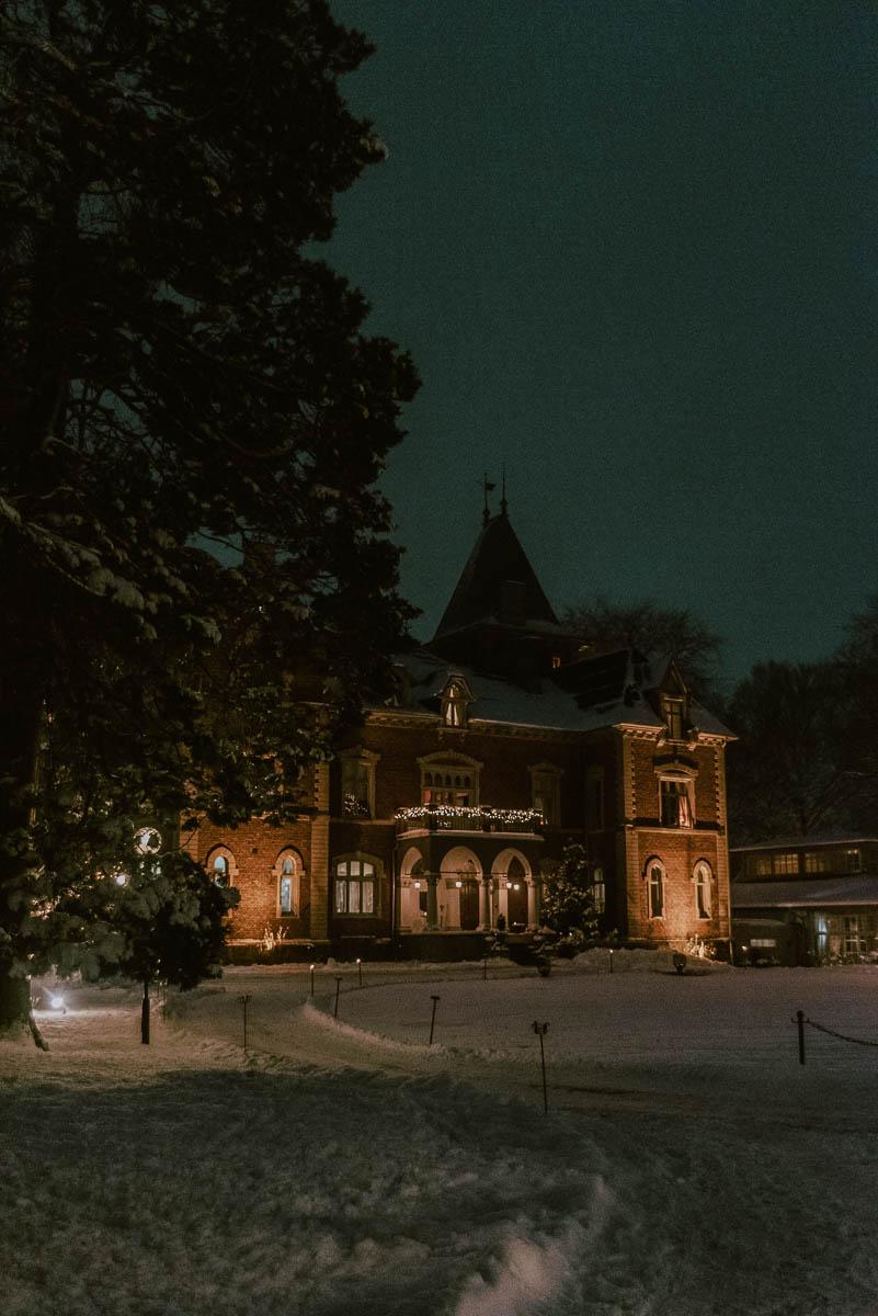 Bo på Thorskogs slott utanför Göteborg