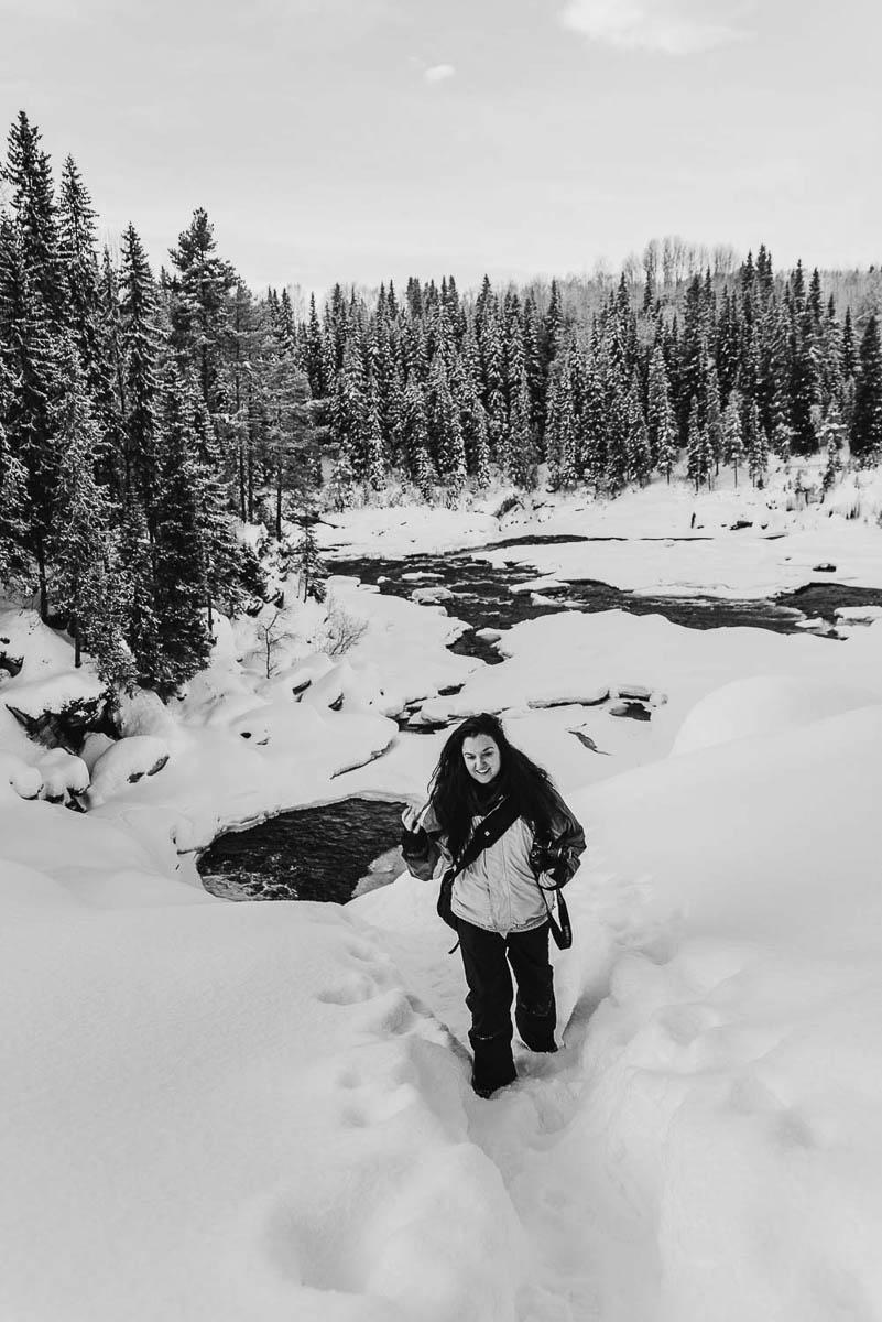 Gör en utflykt från Åre och vandra på det frusna Ristafallet i Jämtland