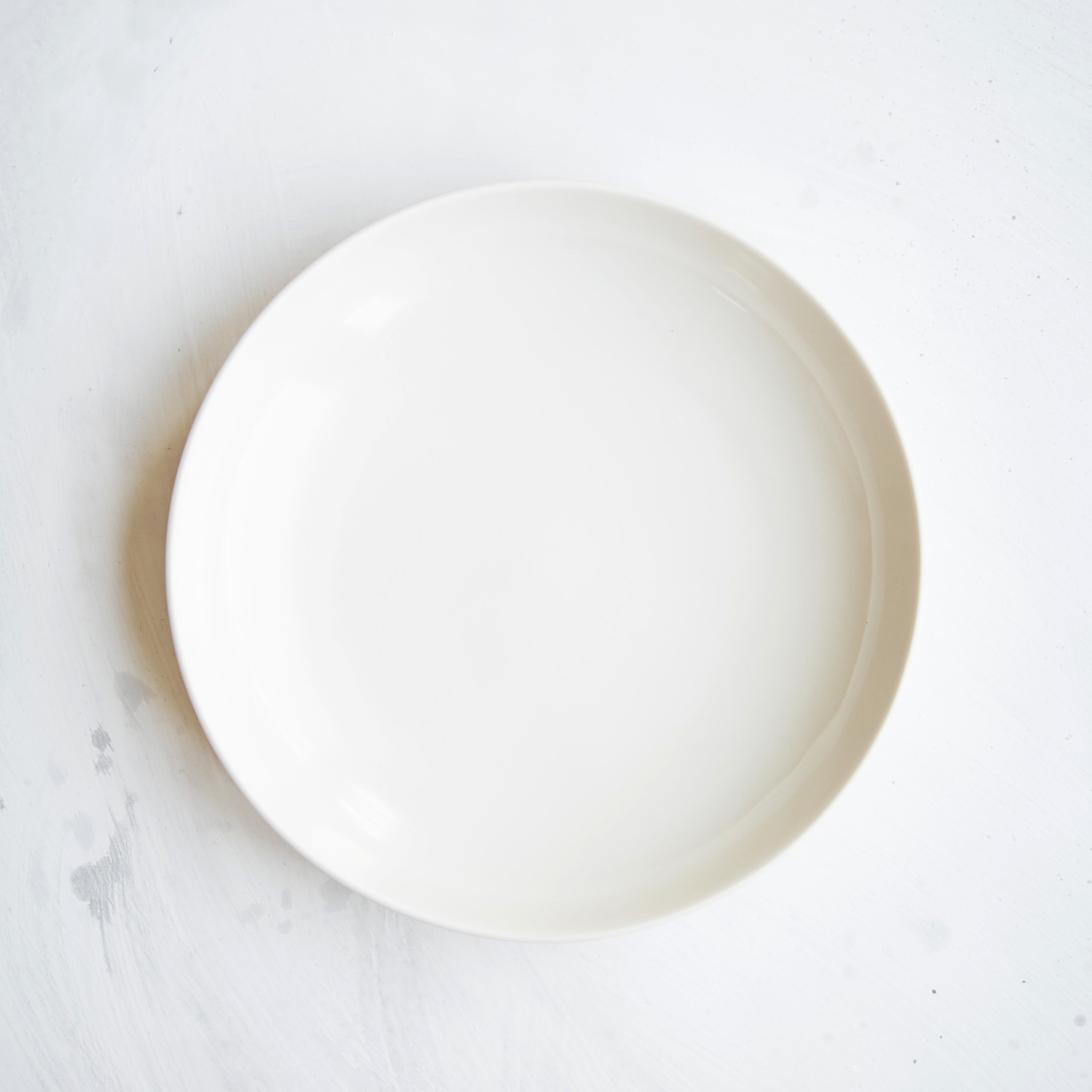 Dinner Plate Off White Chairs Cups