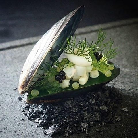 Food things: We love to eat here at C+C. Any chance to admire the creation and finished plating of chefs is our goal. This shellfish is too beautiful to eat. It's proof beauty is always found in nature. Image via @culinaireinspiratie