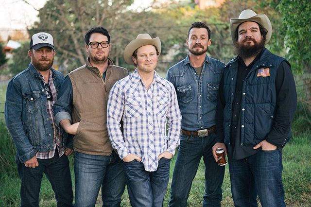 The verdict is in on the (awesome) Turnpike Troubadours record. Read the Ruralicity review on the blog. Link in profile. #turnpiketroubadours #newmusic #goodmusic #countrymusic #reddirt #reddirtmusic #fiddle Photo courtesy Justin Voight.