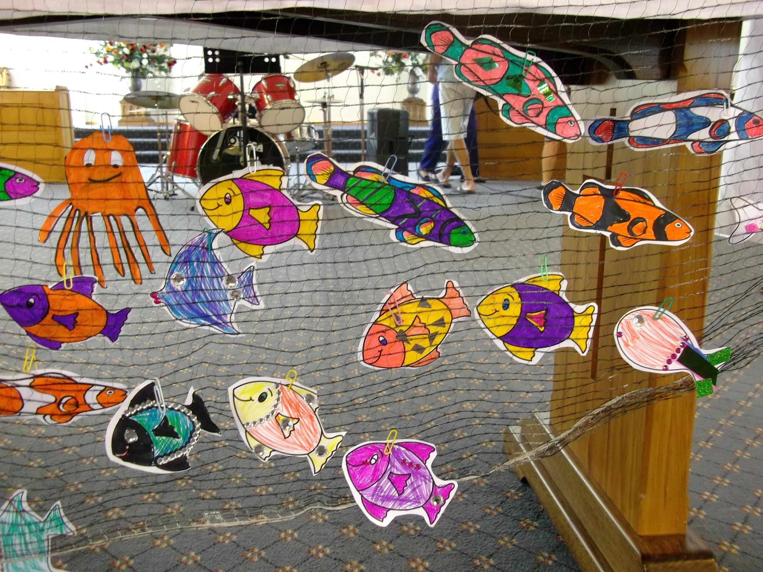 f 10-2-19 Children & fishing net (4).jpg