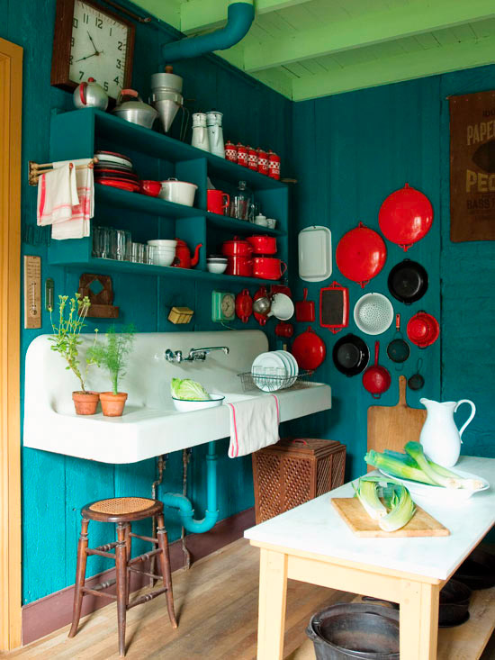 Green and red kitchen