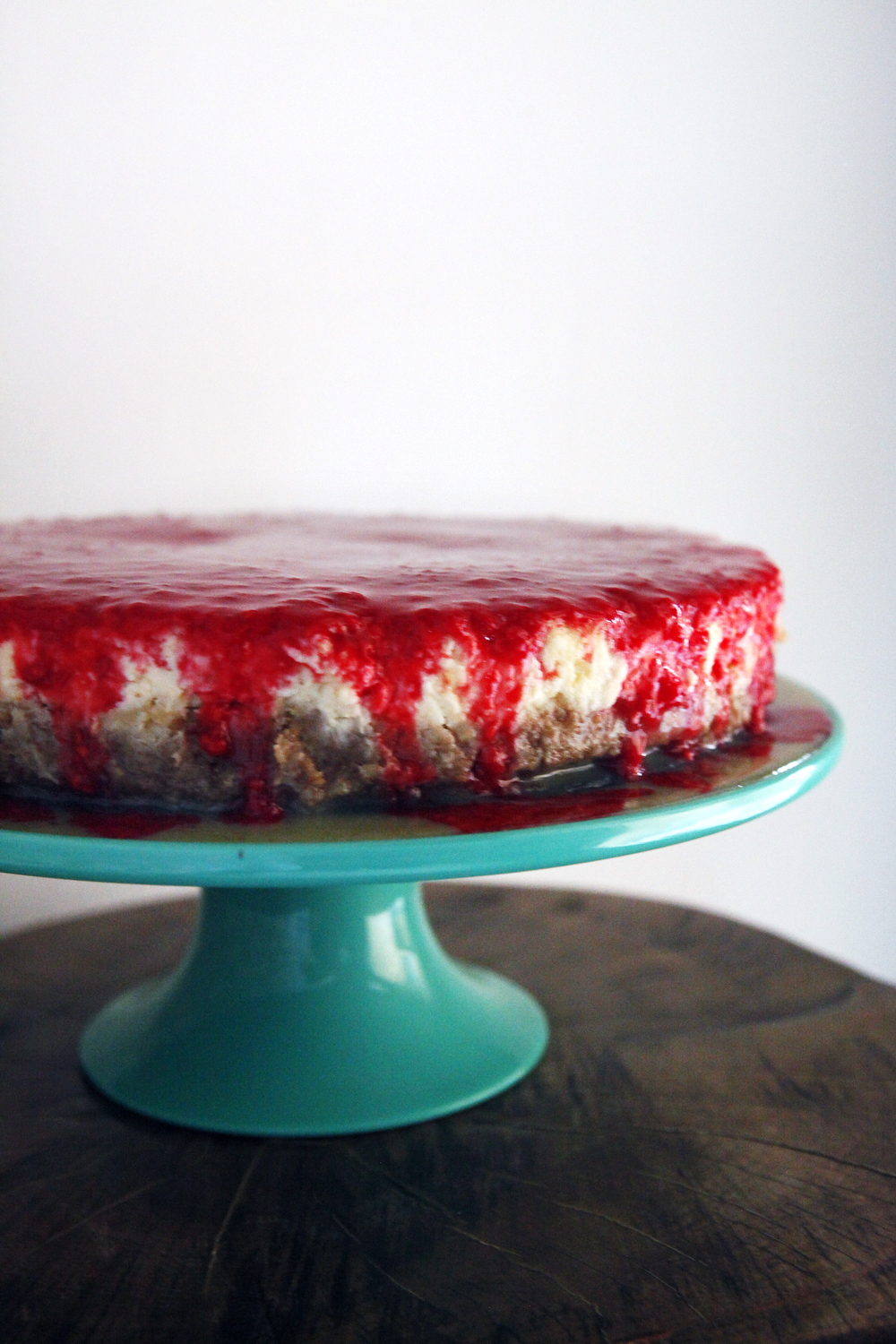 Raspberry white chocolate ganache cheesecake | Freckle & Fair