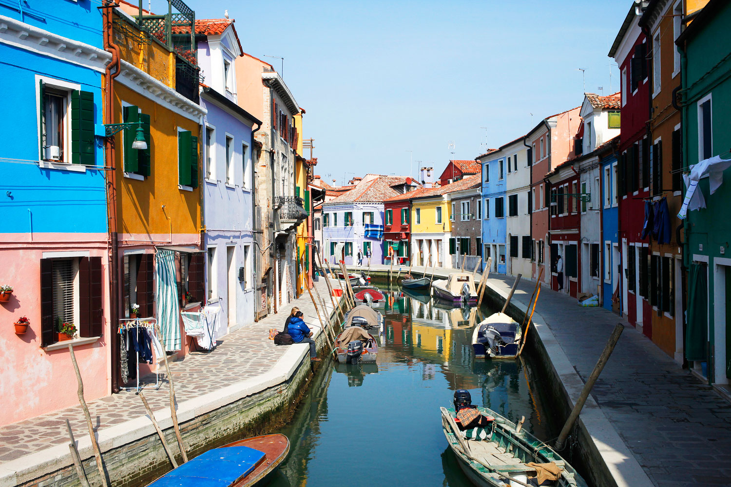Waterway in Burano, Italy | Freckle & Fair