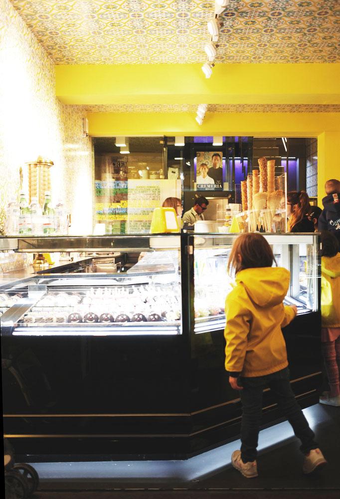 Gelato shop in Sirmione, Italy | Freckle & Fair