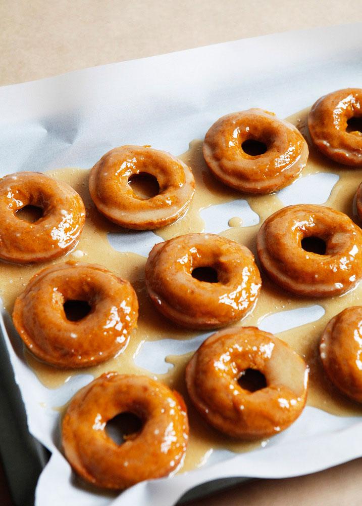 Pumpkin donut tower cake with nutella glaze | Freckle & Fair
