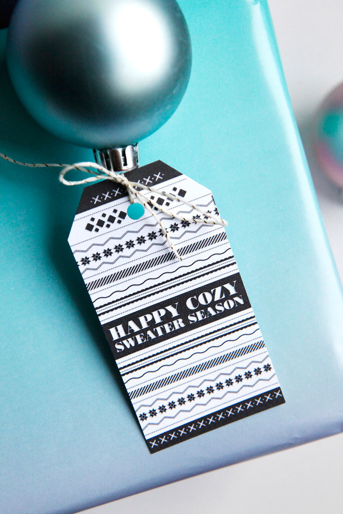 Black & white Christmas present gift tags | Freckle & Fair