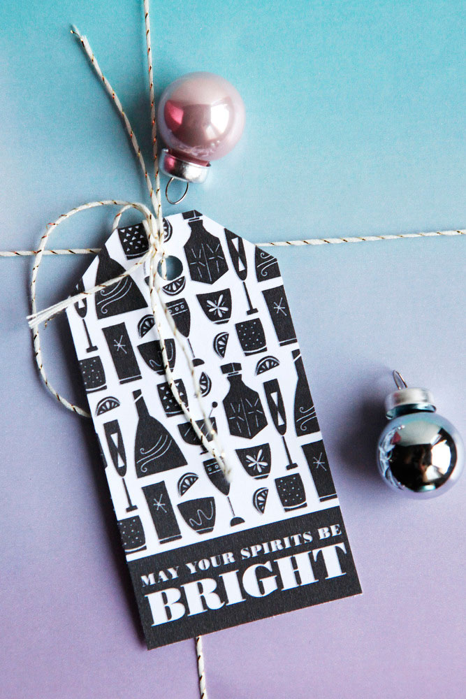 Black & white gift tags for Christmas presents | freckleandfair.com