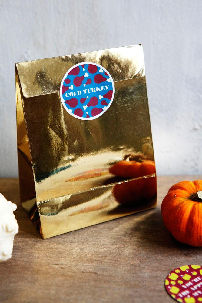 Free printable Thanksgiving leftover labels | freckleandfair.com